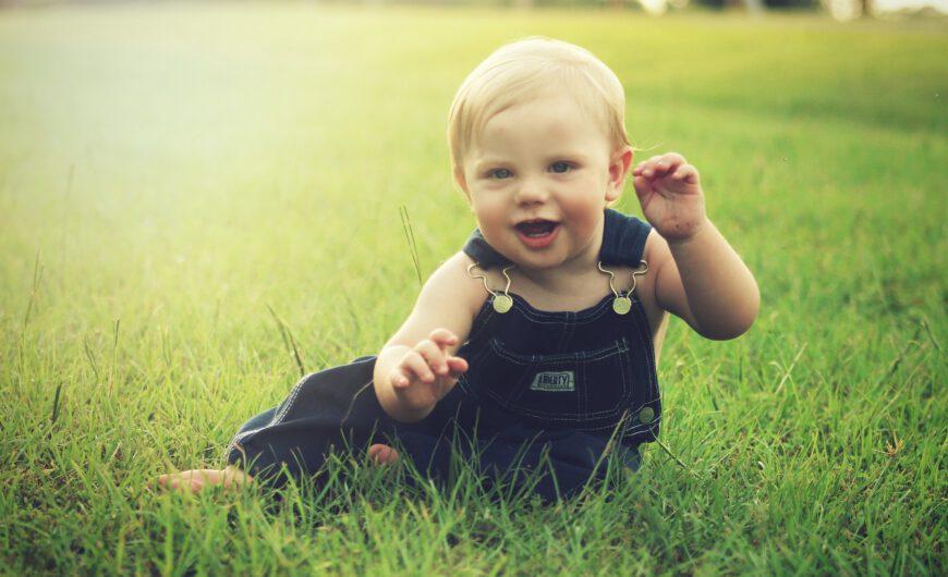 Jak wybrać ubrania dla niemowlęcia?
